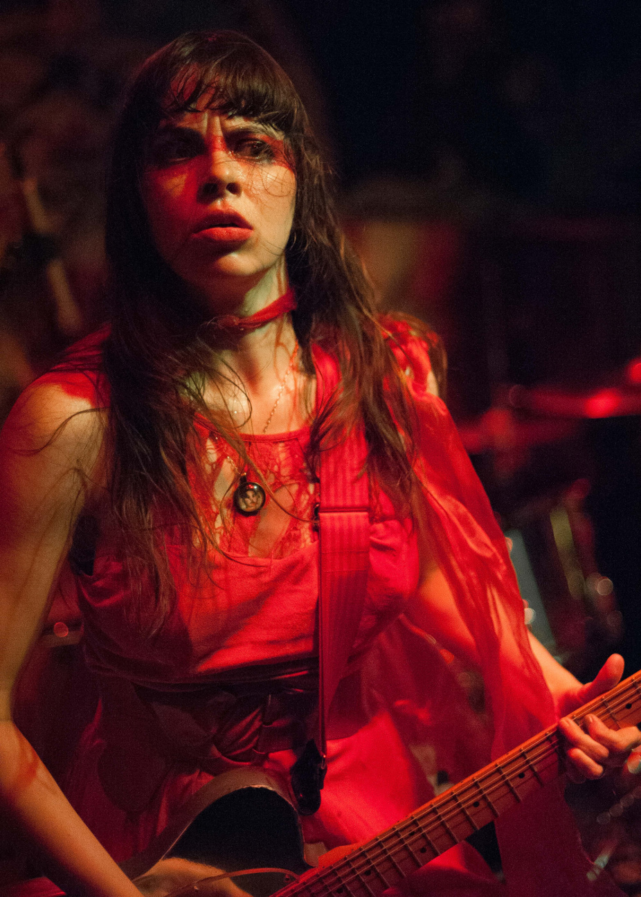 images/Le Butcherettes at Pappy and Harriets/Red Dress