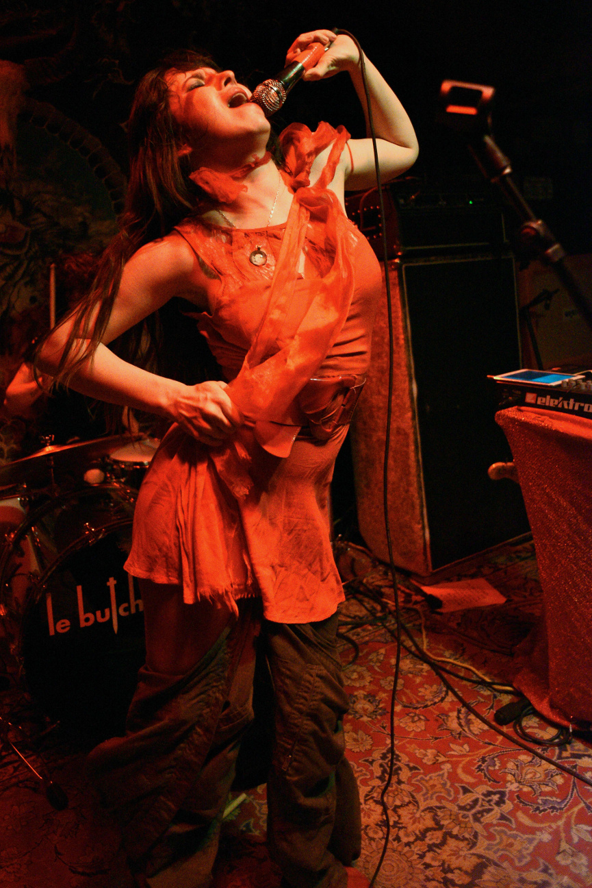 images/Le Butcherettes at Pappy and Harriets/Sing It