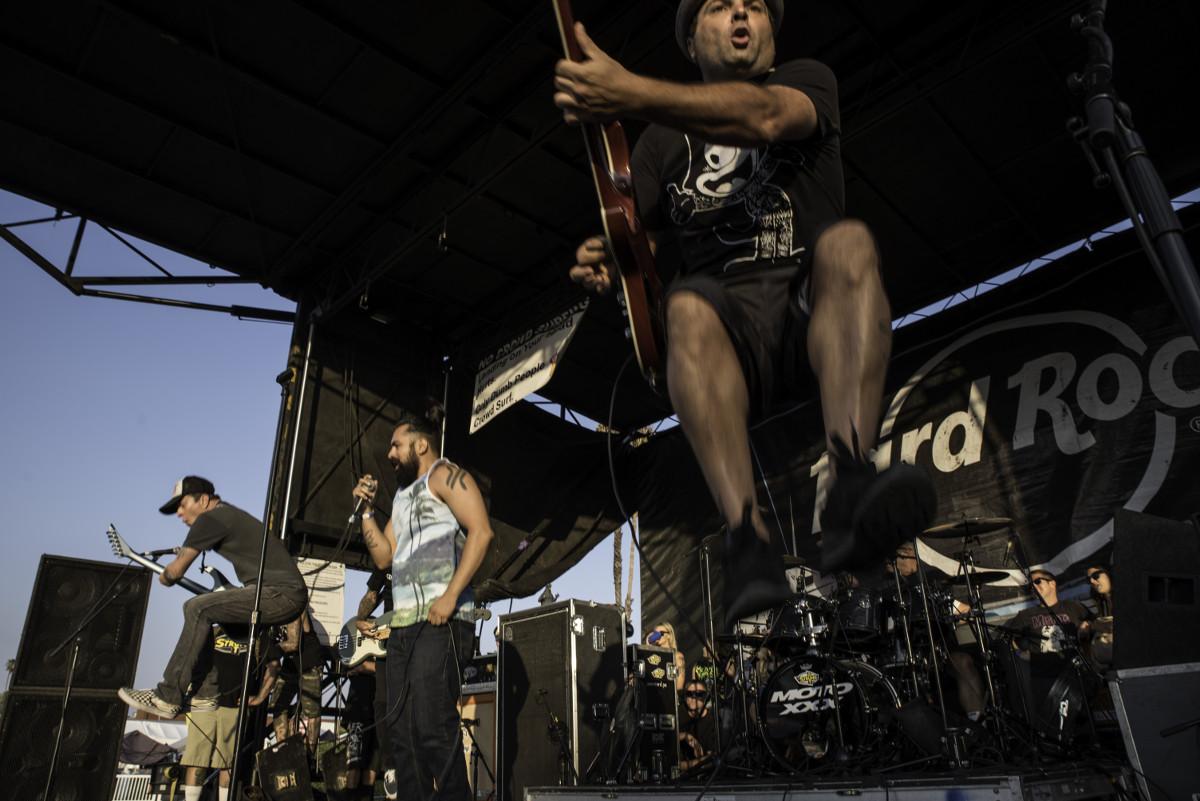 images/Vans Warped Tour 2017 at the Pomona Fairplex/Strung Out 4