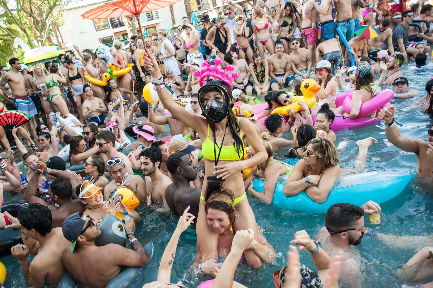 images/Splash House June 2019/Pluko fans at the Riveria on Sunday DSC_6201