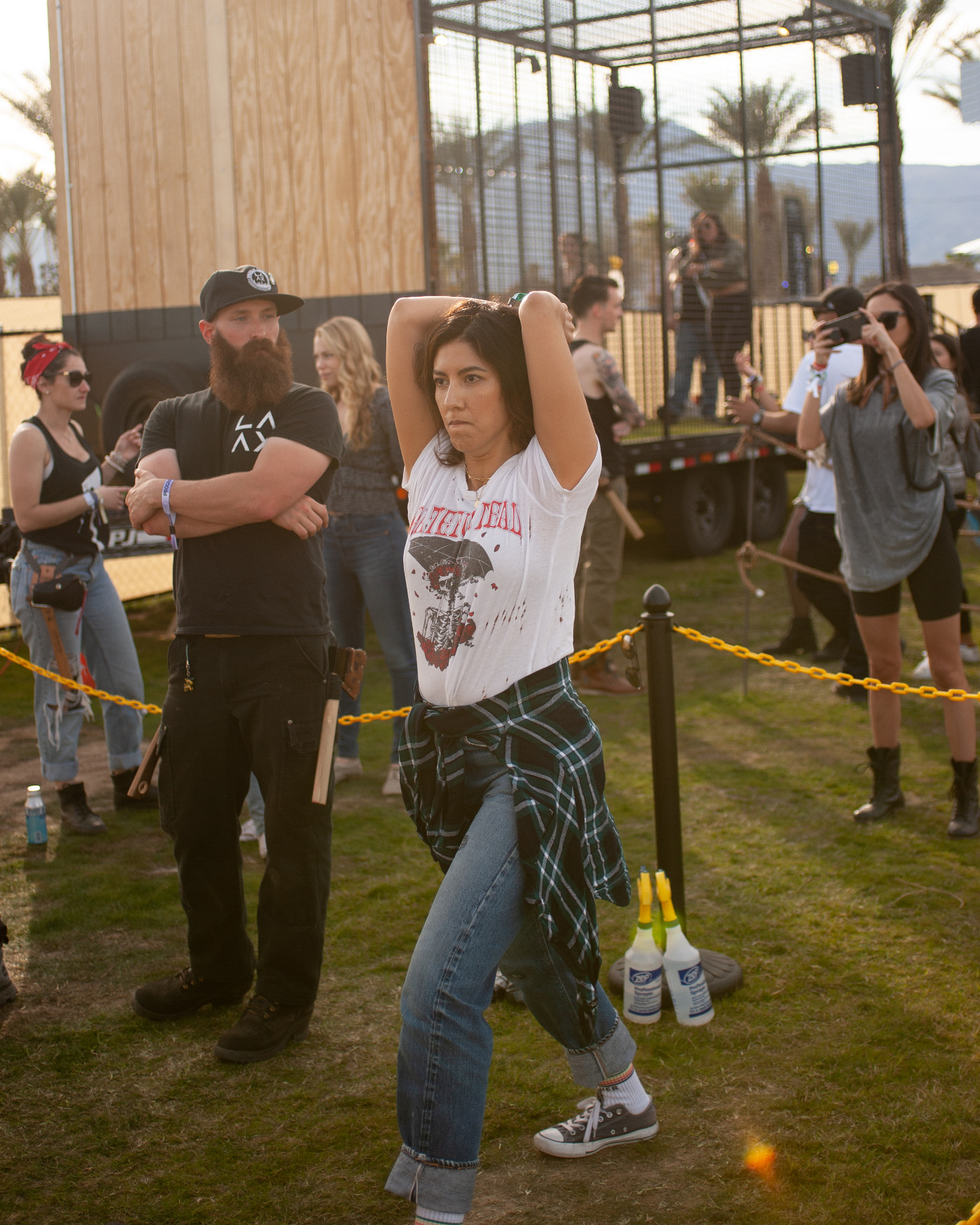 images/4xFar 2020/Axe throwing lessons